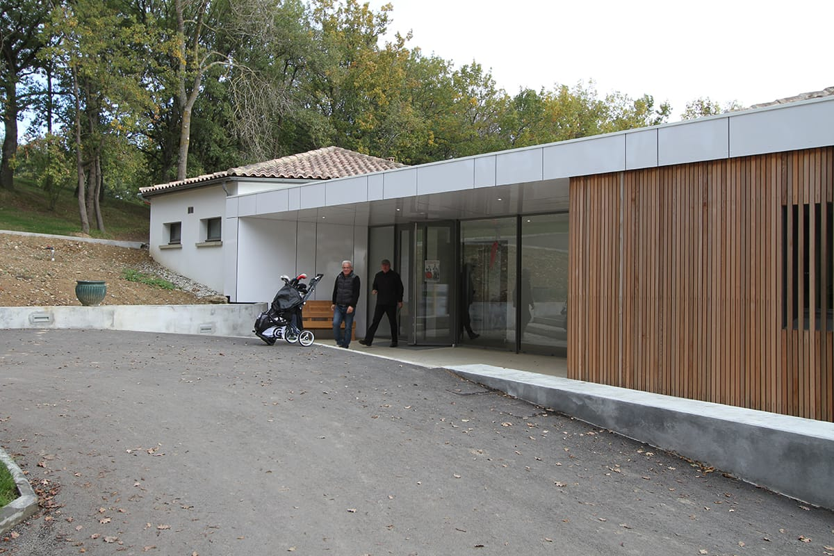 Extension et restructuration du Golf de Teoula Plaisance du Touch (31) PAR IAM ARCHITECTES